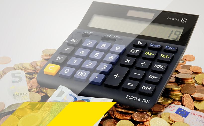 Taschenrechner auf Geld
