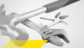 Hammer, Bits, Schrauben, Rollgabelschlüssel, Schraube und Winkelschraubendreher